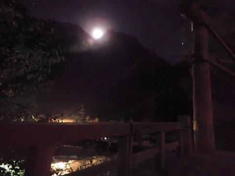 河童橋から見たお月様