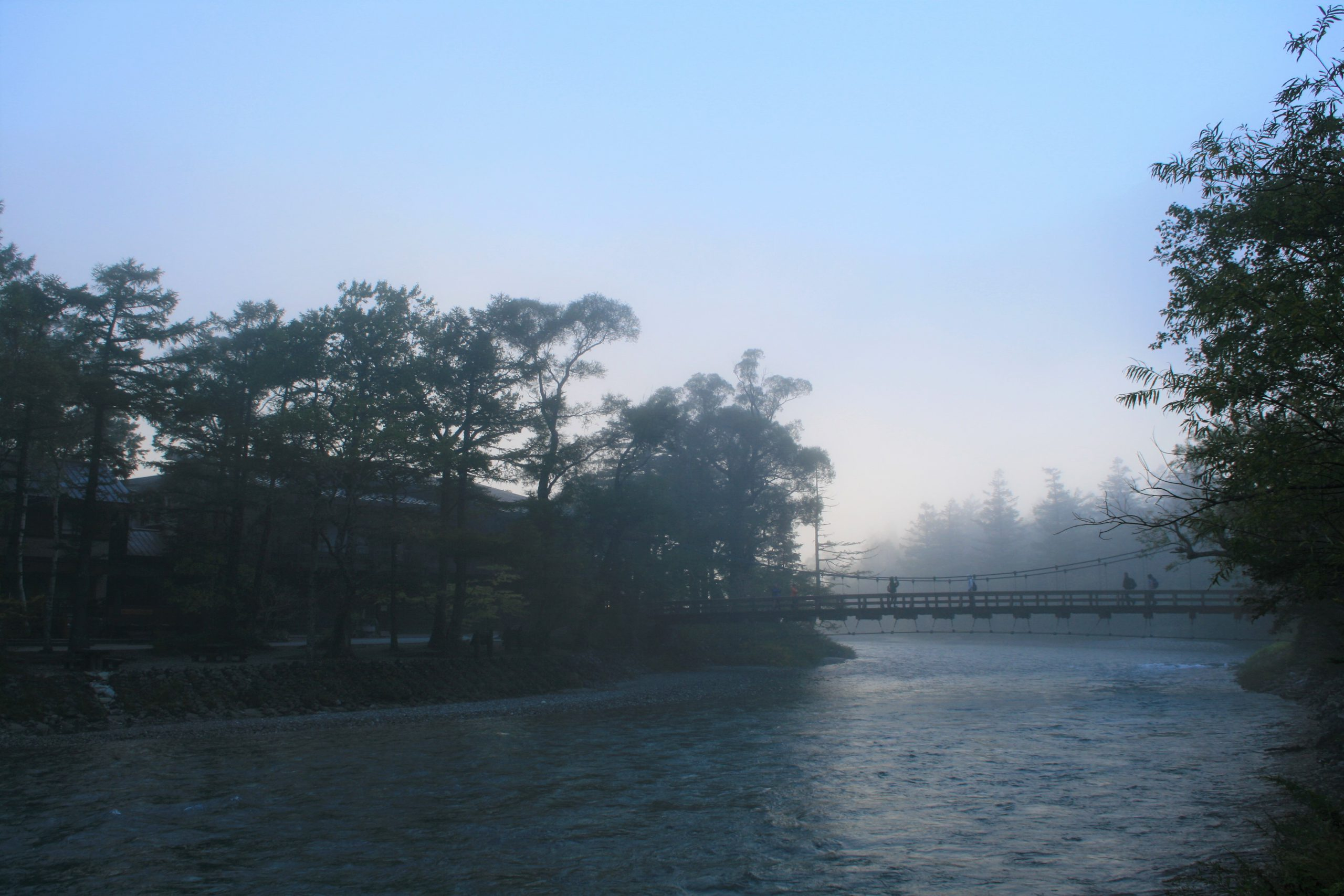 朝靄の河童橋