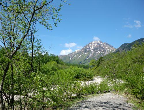 雪の残る焼岳/上高地へのアクセスについて