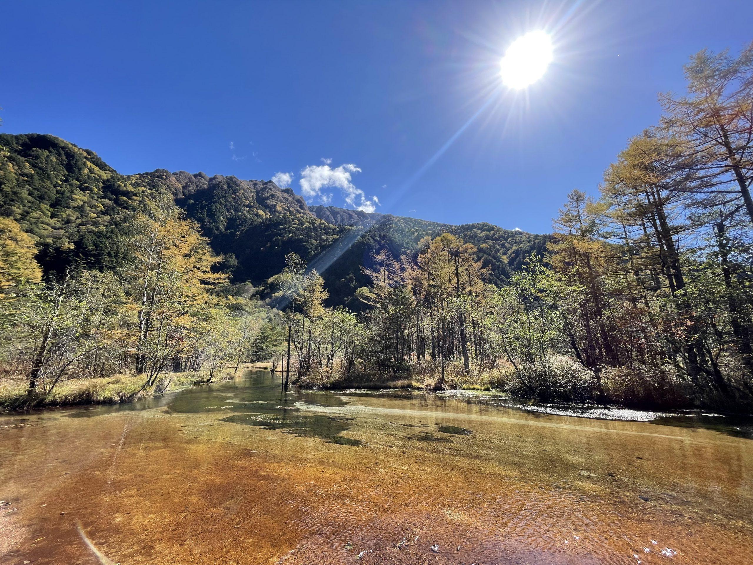 10月中旬、ネイチャーガイドおすすめ上高地の秋の田代池