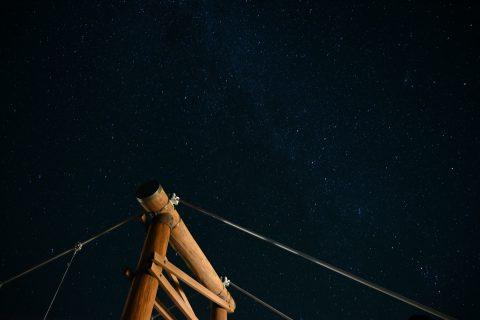新月の頃上高地の秋の夜空